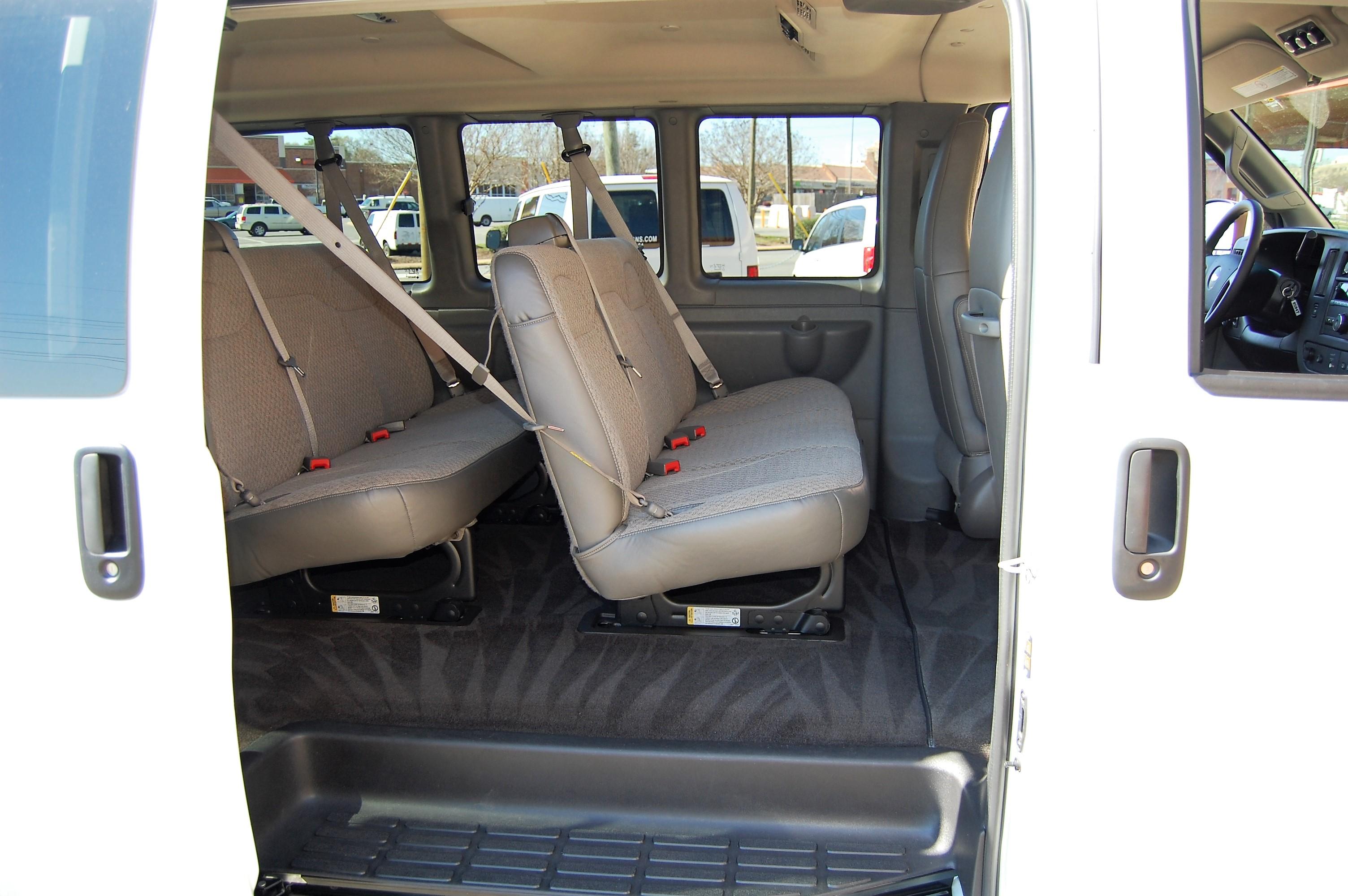 12 Passenger Vans Amp Extended 11 Passenger Vans