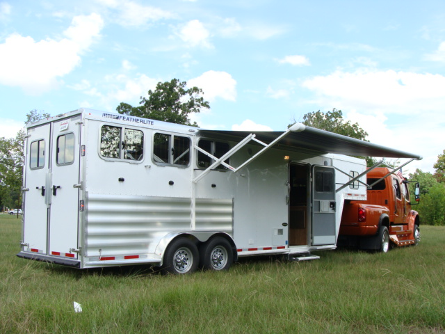 SportChassis-Trucks-Featherlite-Trailers-Horse-Living Quarters