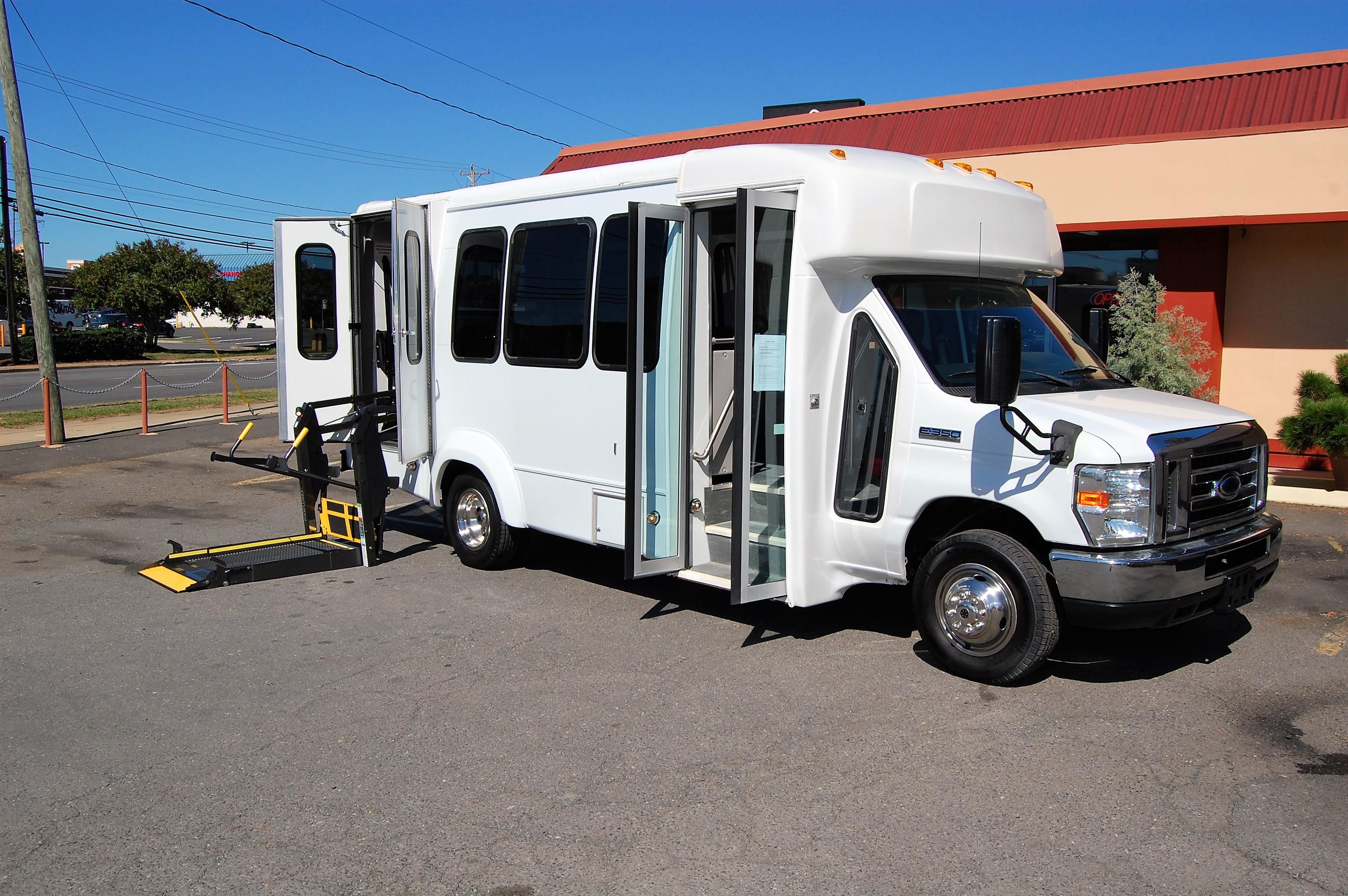 Wheelchair Accessible Vans >> Ada Certified Wheelchair Accessible Vans And Mini Buses