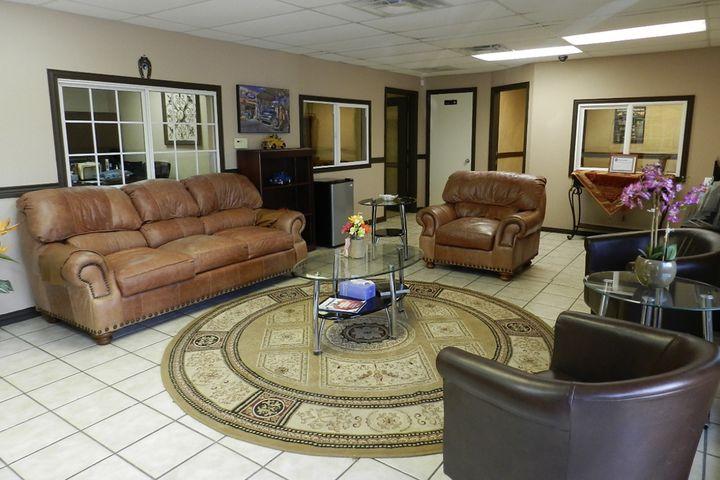 Selective Autoplex Lobby